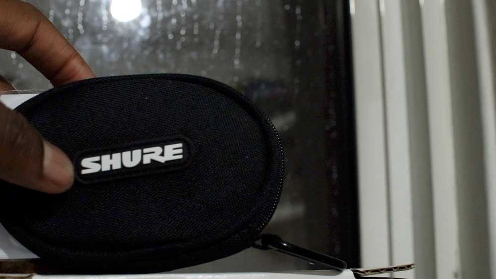 Shure-SE215-bluetooth-headphones review -4- working out sports headphones review